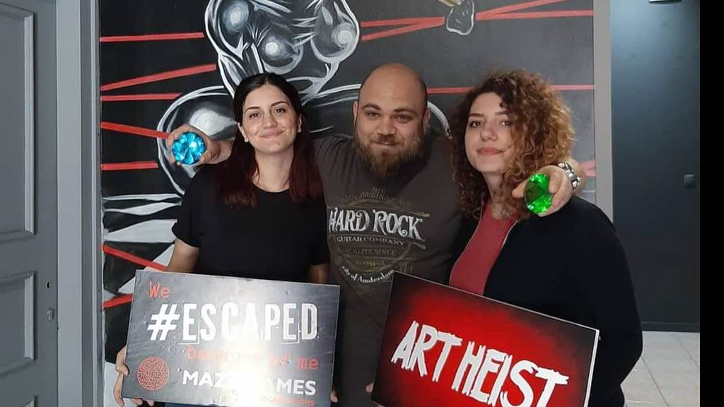 ART HEIST team photo